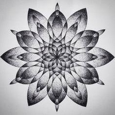 Geometrisches mandala, geometric flower, mandala sleeve, mandala drawing, f Dotwork Tattoo Mandala, Geometric Mandala Tattoo, Mandala Sleeve, Geometric Sleeve, Mandala Tattoo Design, Geometric Art, Geometric Drawing, Tattoo Abstract, Henna Mandala