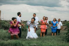 Black Brides Hairstyles, Bride Hairstyles, Wedding Goals, Wedding Blog, Dream Wedding, African Traditional Wedding, Modern Traditional, Ready For Marriage, Groom Shirts