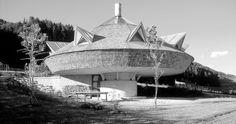 "Haus Maier, Hatting, Tirol, 1976 (""Josef Lackner - Wohnlandschaften""). Organic Architecture, Opera House, Building, Travel, Room Interior, City, House, Kunst, Viajes"