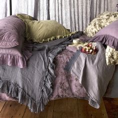 {Lovely Ethereal} Bella Notte Bed Scarf Whisper Linen from @Sarah Chintomby Nasafi Grayce #laylagrayce #bedding #linen