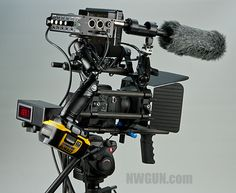 """the """"man camera"""" – DSLR video rig I so want to move away from this... the DSLR technology.  www.phippsfilms.com"""