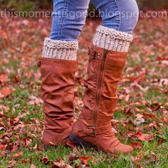 LOOM KNITTING: BOOT CUFF. Free Pattern. #freeloomknittingpatterns #loomknitboottoppers #loomknitbootcuffs