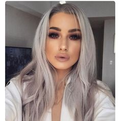 Bored of blonde hair and golden highlights? If Yes,then you should try the cool Silver hair which gives you an edgy and bold look which changes your makeover and overall style. Lace Front Wigs, Lace Wigs, Hair Inspo, Hair Inspiration, Maquillage Yeux Cut Crease, Grey White Hair, Gray Hair, Corte Y Color, Gorgeous Hair