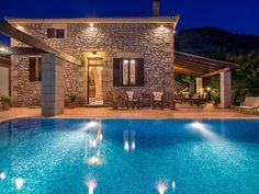 Falasarna Villas || Located on a lush hill of Platanos in Kissamos area, Falasarna Villas offer panoramic Cretan Sea views, 4 km from the sandy Falasarna Beach.