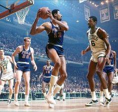 Basket ball style legends Ideas for 2019 Basketball Legends, College Basketball, Basketball Players, Nba, Wilt Chamberlain, Basket Sport, Bill Russell, Cyberpunk Girl, Basketball Photography