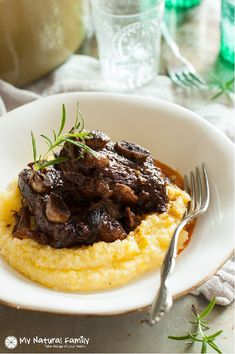 Rosemary Braised Short Ribs Recipe {Paleo, Gluten Free, Clean Eating, Dairy Free} - these are fall off the bone tender and have rich depth of flavor. I love how they are moist and not chewy like some other meats. Crock Pot Recipes, Garlic Recipes, Rib Recipes, Paleo Recipes, Cooking Recipes, Paleo Meals, Mexican Recipes, Easy Recipes, Chicken Recipes