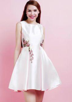 Đầm xòe hồng nude xếp ly thêu Ruy Băng