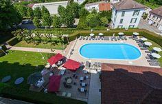 Domaine de Contrexéville et sa belle piscine.