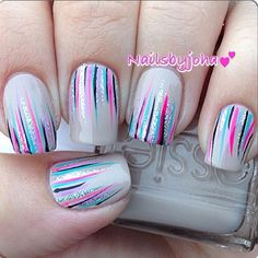 In case you are looking for an easy but fabulous manicure idea to create on your own you have come to the right place. Waterfall nails are that one design that is flawless to look at and simple to pull off even if you are a beginner. Fancy Nails, Diy Nails, Cute Nails, Pretty Nails, Cute Nail Art Designs, Manicure E Pedicure, Fall Manicure, Holographic Nails, Nail Decorations