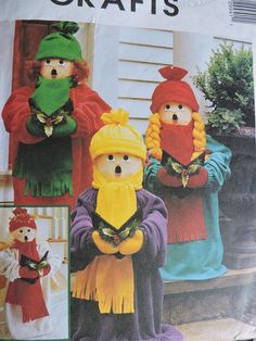 Caroler Dolls Hat Scarf Wings Pullover Christmas Holiday McCall's 2994 PATTERN Home Decor Decorations Gift Giving Holiday Magic Singers Caroler, Costume Patterns, Cool Patterns, Cross Stitch Patterns, Christmas Holidays, Doll Clothes, Wings, Quilts, Dolls