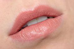 Charlotte Tilbury K.I.S.S.I.N.G Lipstick In 'Bitch Perfect'