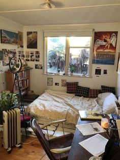 New Best aesthetic room decor images in 2020 - Page 3 of 53 - My Lovely Home Design Room Ideias, Teen Room Designs, Pretty Room, Aesthetic Room Decor, Aesthetic Design, Cozy Room, Dream Rooms, My New Room, House Rooms