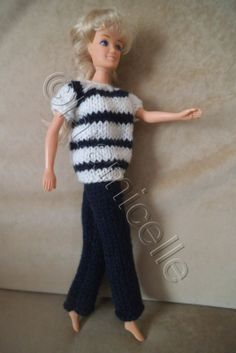 http://laramicelle2210.overblog.com/2014/04/tuto-graatuit-barbie-mariniere-manches-courtes.html