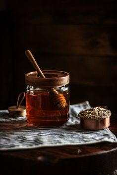 Raw Honey, Milk And Honey, Pure Honey, Honey Brown, Brown Sugar, Food Photography Tips, Food Styling, Food Inspiration, Sweet Tooth