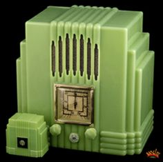 Art Deco Bakelite Radio from Art Recollections .My ideal radio Art Nouveau, Blog Art, Art Deco Stil, Antique Radio, Deco Furniture, Green Furniture, Plywood Furniture, Modern Furniture, Furniture Design