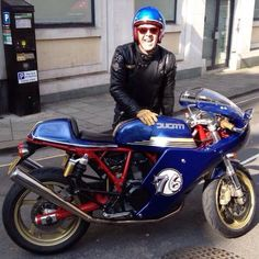 My Cafe Racer... A gorgeous Ducati Sport Classic 1000s
