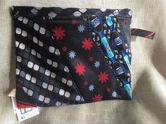 Annons på Tradera: Liten necessär tillverkad av slipsar
