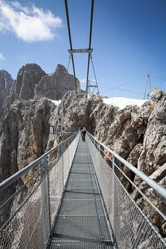 Dachstein Bridge, Stairway to Nothingness, Dachstein Glacier, Austria