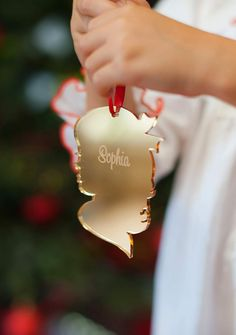 Girl Silhouette, Vintage Silhouette, Christmas Gift List, Christmas Tree Ornaments, Laser Cutter Projects, Laser Cutter Ideas, Trotec Laser, Classic Girl, Resin Crafts