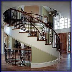 Bel escalier central !