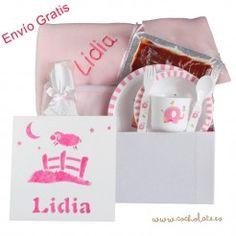 Cesta de regalos para bebés y mamás. Con sobre de jamón incluido. Container, Baby Gift Baskets, Gift Shops, Newborn Baby Gifts