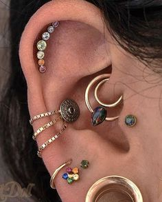 MINI Ear Cuff Cartilage Faux Helix, Fake Helix Earring No Piercing Hoop Simple Earcuff Non-pierced Upper Ear Gold Hammered - Custom Jewelry Ideas Ear Piercings Chart, Piercing Chart, Cute Ear Piercings, Body Piercings, Helix Earrings, Cartilage Earrings, Beaded Rings, Body Jewelry, Jewlery