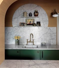 Here is a little close up of the kitchen by @beataheuman, excellent use of shaped marble, which is so nicely sandwiched between that…