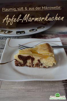 Mein absolut köstliches Rezept für Apfel-Marmorkuchen. Unbedingt ausprobieren!  #apfel #marmorkuchen #kuchen #mikrowellenkuchen #vitalwunder #tupperware #vitalwunderrezept Pizza Salami, Tupperware, French Toast, Breakfast, Food, Apple Recipes, Marble Cake, Small Cake, Eten