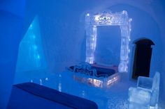 #Disney #Frozen Themed Hotel Room at Quebec's Ice #Hotel on travelingmom.com