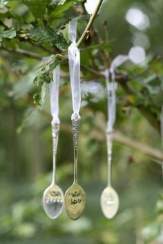 spoon Christmas tree ornaments by Womenio Spoon Ornaments, Christmas Tree Ornaments, Christmas Crafts, Christmas Decorations, Merry Christmas, Christmas Displays, Tree Decorations, Spoon Art Diy, Spoon Craft