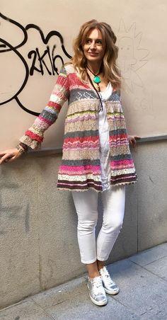 Rebeca multicolor Knit Fashion, Crochet Clothes, Kimono, Patterns, Knitting, Sweaters, Jackets, Summer Coats, Crochet Dresses