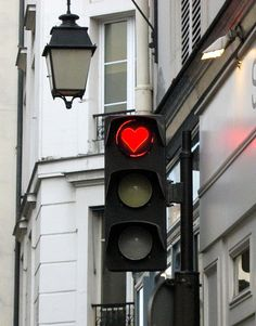 Paris stoplight. This is for real.