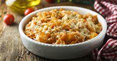 Cestoviny obalené lahodnou paradajkovou omáčkou obohatenou o aromatické oregano korunované chrumkavou krustou z lahodného syra podľa vlastnej chuti. Risotto, Macaroni And Cheese, Ethnic Recipes, Food, Red Peppers, Mac And Cheese, Essen, Meals, Yemek