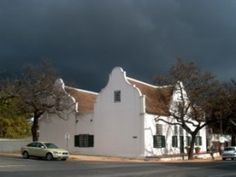 Cape Dutch Houses - characteristics of the architecture style that developed in Cape Town in the century - top architectural tourist attractions. See Cape Dutch gables and house plans of various heritage buildings of South Africa. Single Storey House Plans, House Plans South Africa, Cape Dutch, Dutch House, Residential Architect, Architectural Features, Cape Town, Holland, Skyscraper