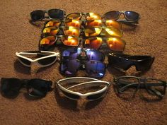 LOT OF 16 OAKLEY SUNGLASSES W/ ISSUES- HOLBROOK - GARAGE ROCK - SCAR - XX TWENTY