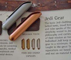 Jedi Belt and Medical Pouch: Costume Complete! Jedi Cosplay, Jedi Costume, Mandalorian Cosplay, Cosplay Weapons, Star Wars Rpg, Star Wars Jedi, Build A Lightsaber, Custom Lightsaber, Trajes Star Wars