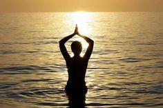 Meditación grupal para promover la sanación con agua. A través de nuestra imaginación y del baño en la laguna nos permitimos sanar...  Participa en: http://reikinuevo.com/sanacion-agua/