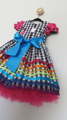 #sãojoão2018 #festajunina #vestidodefestajunina #vestidocaipira #vestidoquadrilha #vestidoinfantilfestajunina