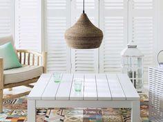#suspension #chic #ethnique #table #blanche #fauteuil