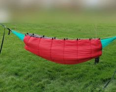 Hammock Underquilt : 6 Steps (with Pictures) - Instructables Kayak Camping, Camping Survival, Camping Hacks, Outdoor Camping, Outdoor Gear, Camping Stuff, Camping Hammock, Survival Tools, Cheap Sleeping Bags