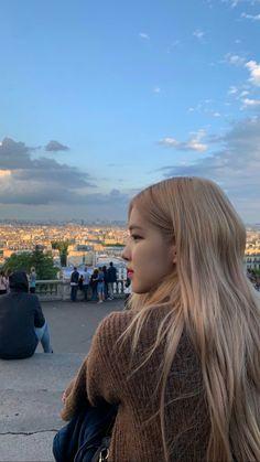 roses are rosie Kim Jennie, Kpop Girl Groups, Korean Girl Groups, Kpop Girls, Foto Rose, Lisa Black Pink, Rose Park, Blackpink Photos, Kim Jisoo