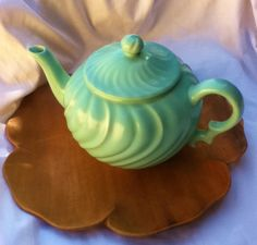 Vintage Teapot  / McCoy Pottery / Tea / Mid Century / Collectible. via Etsy.