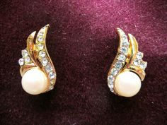 Pretty Faux Pearl & Diamante gold tone earrings Listing in the Earrings,Costume Jewellery,Jewellery & Watches Category on eBid United Kingdom