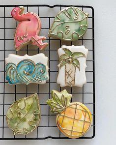 Crazy Cookies, Cut Out Cookies, Cute Cookies, Cookie Frosting, Royal Icing Cookies, Beach Dessert, Sweets Art, Paint Cookies, Edible Creations