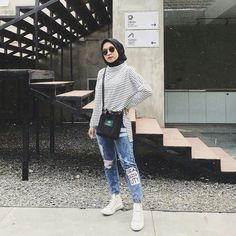 first date outfit Hijab Casual, Ootd Hijab, Simple Hijab, Modest Fashion Hijab, Modern Hijab Fashion, Street Hijab Fashion, Hijab Fashion Inspiration, Hijab Chic, Tomboy Fashion