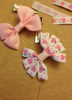 Pepper Pig hair bows for girls. : Pepper Pig hair bows for girls. Ribbon Hair Bows, Diy Hair Bows, Diy Bow, Handmade Hair Bows, Barrettes, Hairbows, Hair Bow Tutorial, Making Hair Bows, Diy Hair Accessories