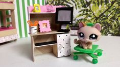 How to Make a Tiny Computer Desk: Easy LPS Doll DIY