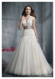 How to Choose the Right Wedding Dress Style for Your Body Type. #weddings #dresses #styles #bodytype