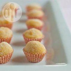 Brigadeiro caipira @ allrecipes.com.br - Esse brigadeiro leva milho e canela, uma combinação perfeita. Pode ser feito de colher ou enrolado e passado no açúcar cristal.