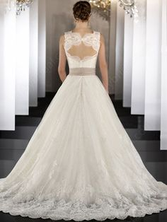 A-line Sweetheart Organza Satin Sweep Train White Appliques Wedding Dresses at Millybridal.com